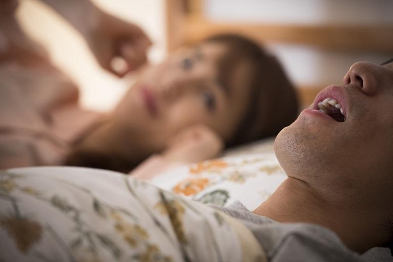 睡眠時無呼吸症候群の治療はマウスピースで行うことがあります